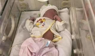 Quảng Ninh: Bé gái sơ sinh bị bỏ trong túi nilon ở ghế đá bệnh viện