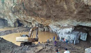 Sắp tiếp cận được 2 phu vàng mắc kẹt trong hang ở Hòa Bình