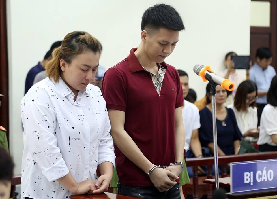 Bố đẻ cùng mẹ kế bạo hành con trai 10 tuổi rút đơn kháng cáo
