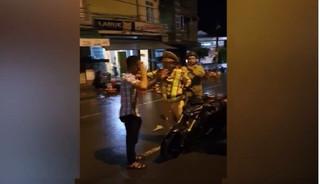 Thiếu úy CSGT ngã khi chạm vào người vi phạm chính thức lên tiếng