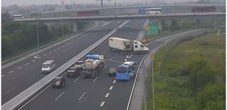 Lái xe container chạy ngược chiều trên cao tốc nhận mức phạt thích đáng