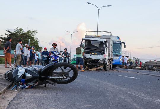 Tai nạn liên hoàn ở Quảng Nam, 4 người thương vong