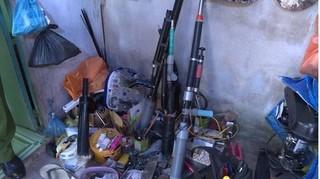 Điều tra vụ trộm xe máy, phát hiện kho súng tự chế tại phòng trọ