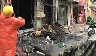 Cháy nhà 4 tầng trên phố Đặng Tiến Đông, 2 người nhập viện