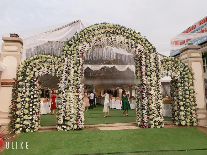 Đám cưới tiền tỉ ở Vĩnh Phúc: Cô dâu xinh, mời Ngọc Sơn về hát2
