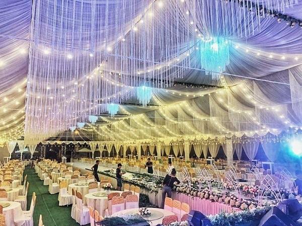 Đám cưới tiền tỉ ở Vĩnh Phúc: Cô dâu xinh, mời Ngọc Sơn về hát
