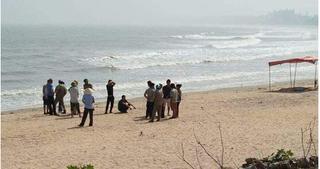 Đi đánh cá, tá hỏa phát hiện thi thể cô gái trẻ bên bờ biển