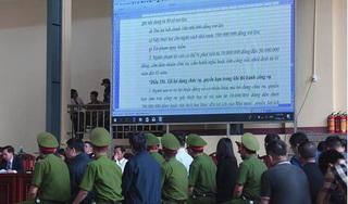 2 màn hình LED cỡ lớn được trình chiếu tại phiên xử cựu tướng Phan Văn Vĩnh