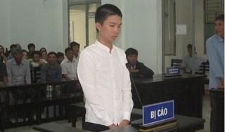 Khánh Hòa: Nam sinh lớp 10 đâm bạn học tử vong lĩnh án