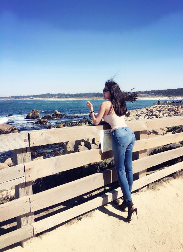 Đứng hình vì body đồng hồ cát nóng bỏng của nữ giảng viên xinh đẹp 23