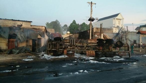 Danh tính tài xế xe bồn làm 19 nhà dân cháy dữ dội, 6 người tử vong