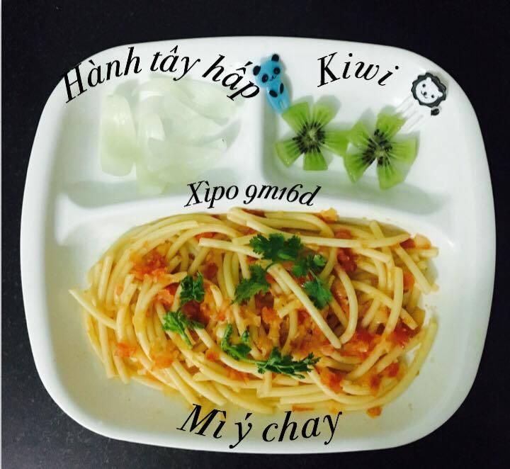 Mẹ chia sẻ thực đơn ăn dặm hấp dẫn, cứ đến bữa là con tự ngồi vào bàn2