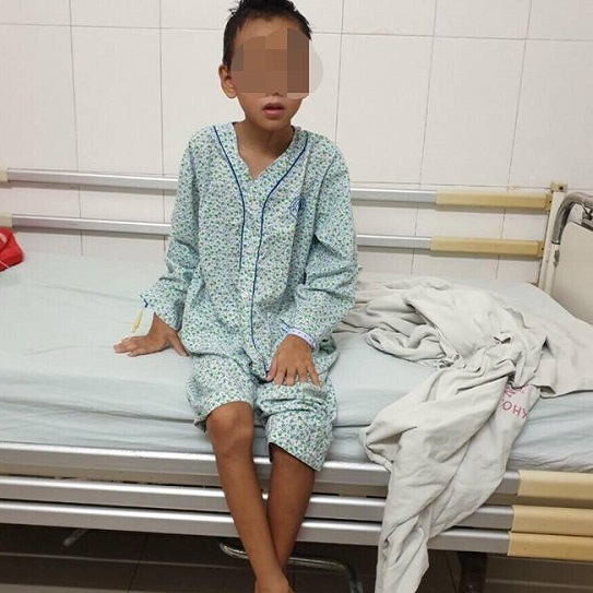 Chỉ vì một vết mụn, bé trai 9 tuổi mắc bệnh nguy hiểm