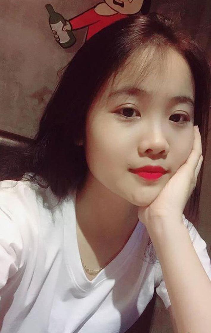 Loạt ảnh bạn gái xinh đẹp và nóng bỏng của cậu út Đoàn Văn Hậu3