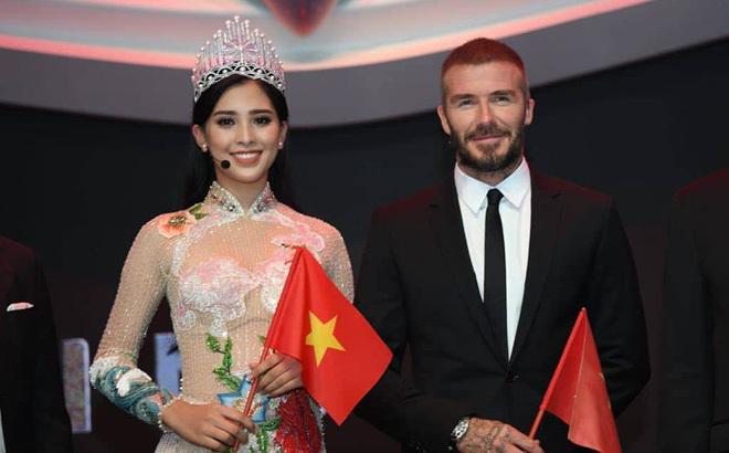 Tiểu Vy đưa hình ảnh chụp cùng David Bekham vào clip giới thiệu bản thân tại Miss World 2018