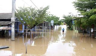 Đường phố Vũng Tàu chìm trong nước, hàng chục nghìn dân Ninh Thuận phải sơ tán