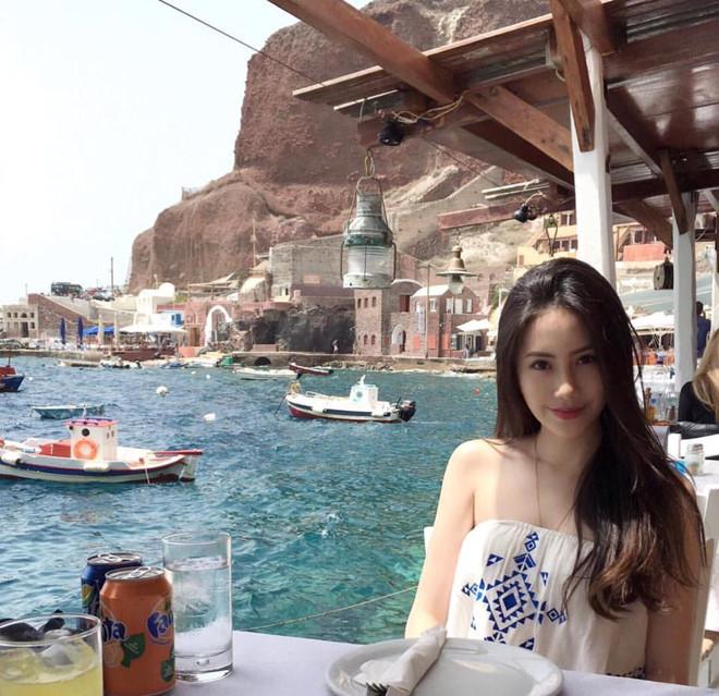 Ngắm hot girl Lào gốc Việt xinh đẹp và quyến rũ nghiêng ngả mạng xã hội3