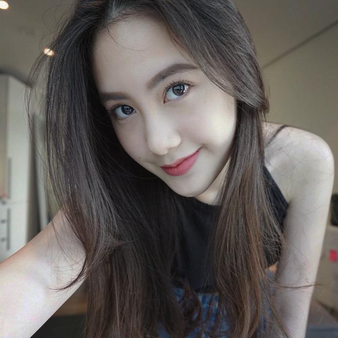 Ngắm hot girl Lào gốc Việt xinh đẹp và quyến rũ nghiêng ngả mạng xã hội