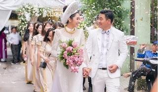Hoa hậu Đại Dương Đặng Thu Thảo đeo vàng trĩu cổ trong ngày cưới