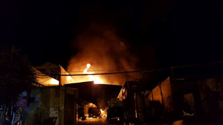 Hiện trường vụ cháy nhiều xe bồn chở xăng dầu ở Nha Trang