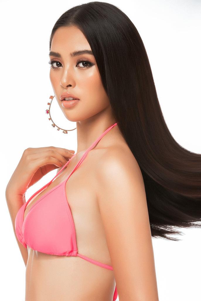 Tiểu Vy mặc bikini khoe số đo 3 vòng nóng bỏng tại Miss World 2018