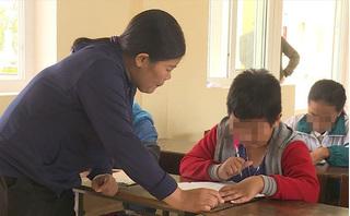 Cô giáo phạt tát học sinh 231 cái nhập viện cấp cứu, lúc tỉnh lúc mê