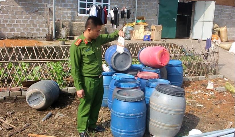 Quảng Ninh: Bắt quả tang một cơ sở đang tẩm ướp 20 tấn lòng lợn bẩn