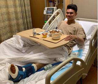 Tuyển thủ U23 Việt Nam phẫu thuật thành công ở Singapore