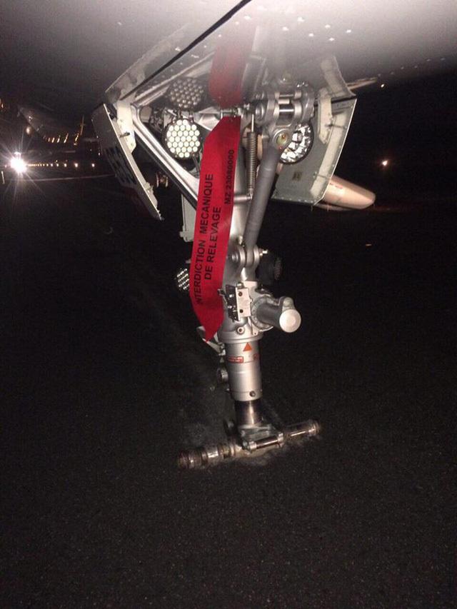 Thu bằng lái 2 phi công điều khiển máy bay Vietjet bị rơi bánh