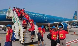 Phục vụ cổ động viên sang Philippines 'tiếp lửa', Vietnam Airlines đẩy sớm giờ bay