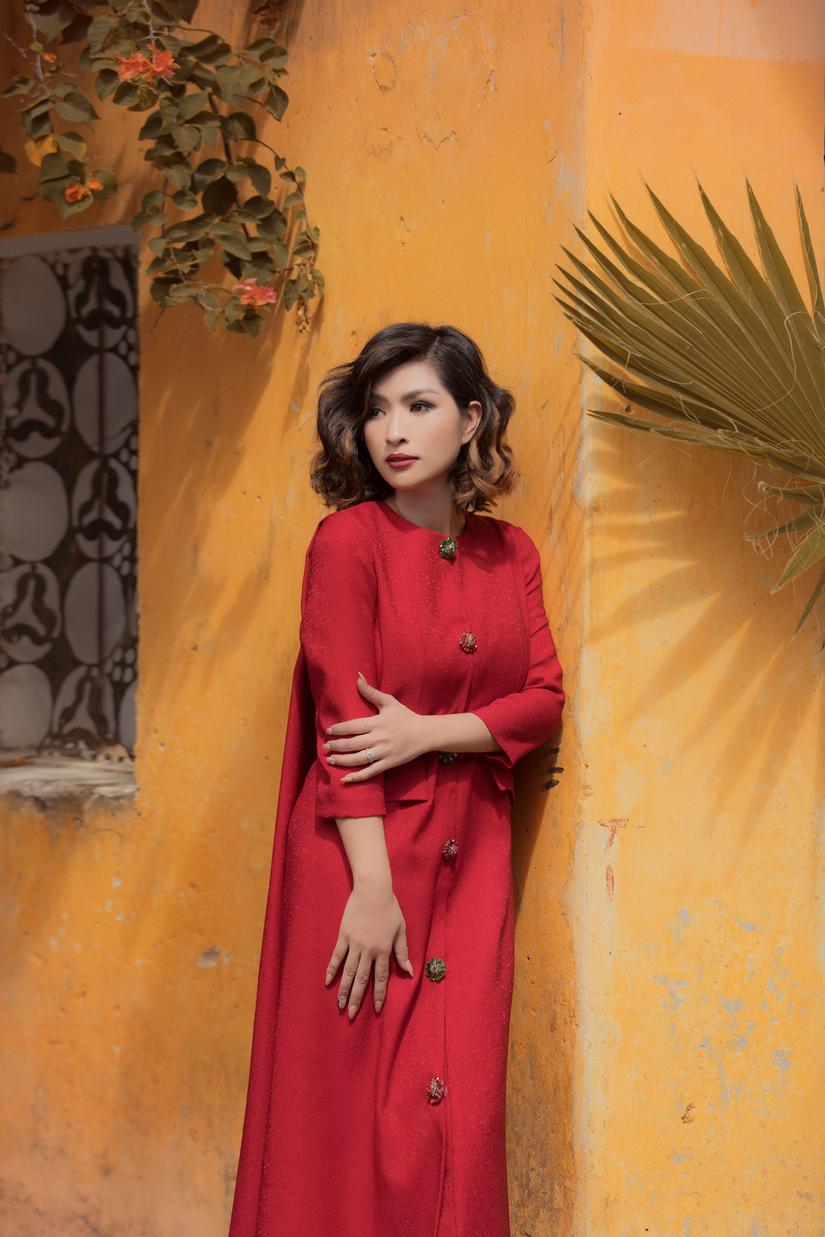 Ca sĩ hải ngoại Nguyễn Hồng Nhung chia sẻ về 2 cuộc hôn nhân