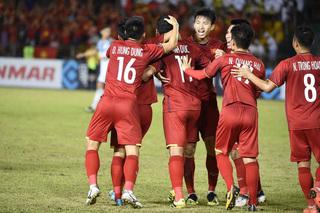 Bất ngờ với cặp tiền vệ trung tâm của đội tuyển Việt Nam ở trận tiếp đón Philippines