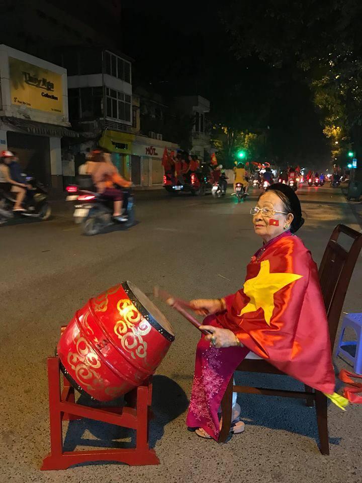 Loạt khoảnh khắc ấn tượng sau chiến thắng của tuyển Việt Nam3