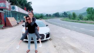 Đàm Thu Trang khoe ảnh hạnh phúc, được Cường Đôla cõng về quê