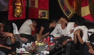 Phát hiện hơn 50 'dân chơi' đang phê ma tuý trong quán karaoke