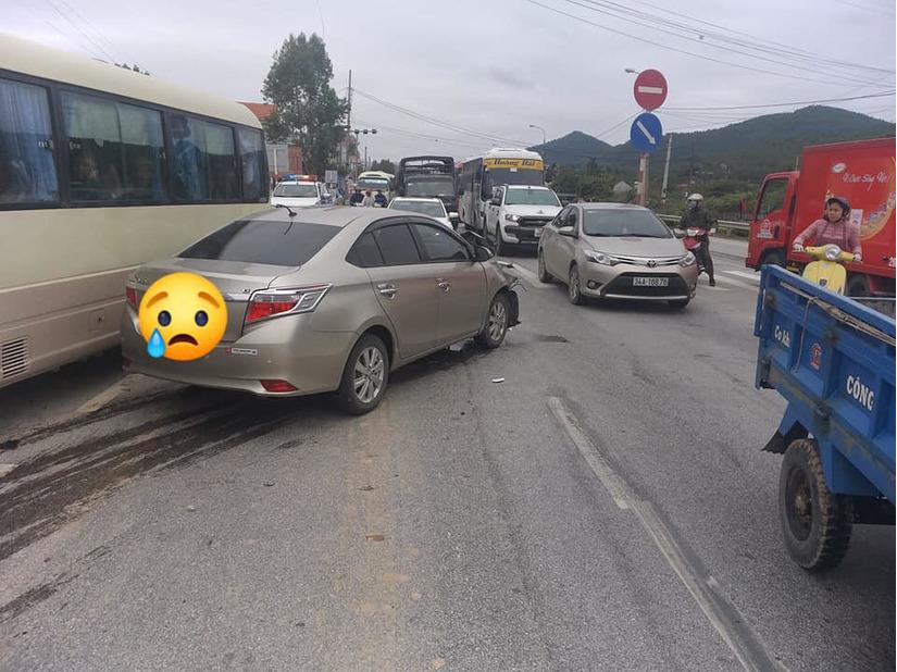 Quảng Ninh: Tai nạn giao thông liên hoàn, nhiều phương tiện bị hư hỏng5