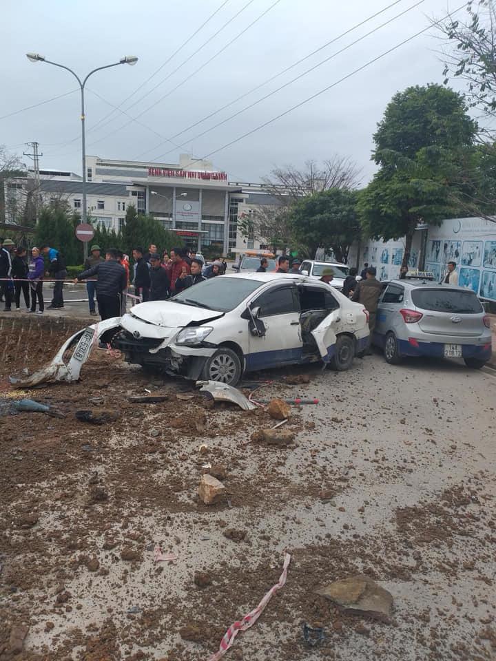 Quảng Ninh: Tai nạn giao thông liên hoàn, nhiều phương tiện bị hư hỏng4