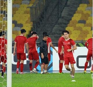 Đội tuyển Việt Nam đón hai tin vui trước trận chung kết với Malaysia