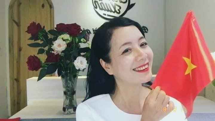 Hoài Linh, nhạc sĩ Nguyễn Văn Chung tấm tắc khen Quang Hải trong trận gặp Malaysia