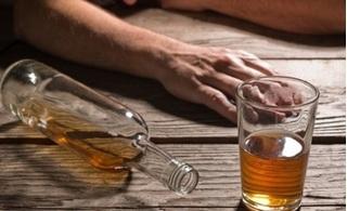Dùng rượu để 'sưởi ấm' cơ thể trong mùa đông, coi chừng mất mạng