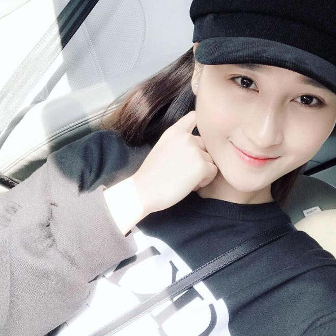 Loạt ảnh bạn gái Huy Hùng xinh đẹp và cực kỳ gợi cảm5
