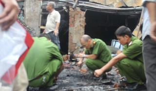 Cuồng ghen, gã chồng tưới xăng đốt vợ khiến cả 2 bị bỏng nặng