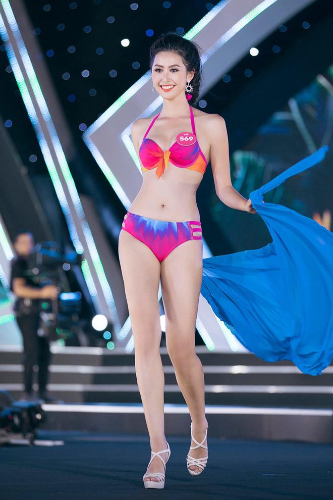 Lộ danh tính nữ tiếp viên xinh đẹp post ảnh với tuyển Việt Nam6