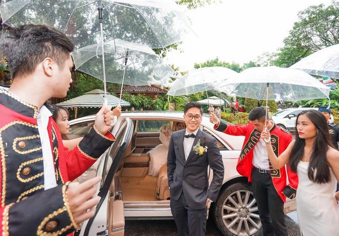 Đám cưới cổ tích ở Hải Phòng: Chú rể mang siêu xe hiếm đi đón dâu