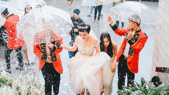 Đám cưới cổ tích ở Hải Phòng: Chú rể mang siêu xe hiếm đi đón dâu3