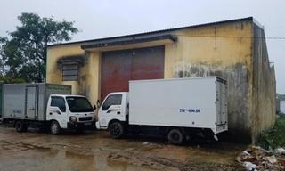 Hy hữu: Nhân viên bảo vệ kho bị thùng mì tôm đè tử vong tại chỗ