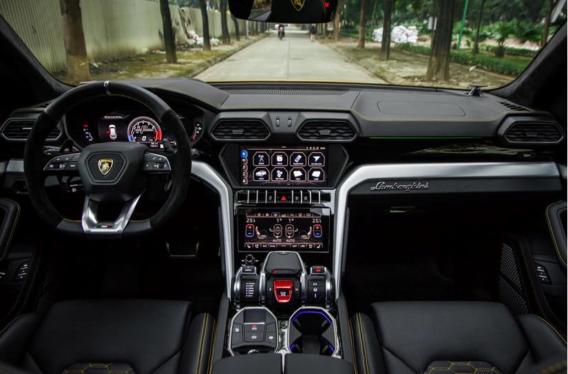 Siêu xe Lamborghini Urus thứ 3 tại Việt Nam rao hơn hơn 22 tỷ đồng3