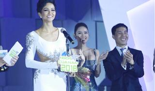 Vượt qua Đỗ Mỹ Linh, H'Hen Niê được trao giải 'Ngôi sao vì cộng đồng' 2018