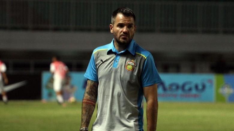 Đội tuyển Indonesia chính thức có HLV mới đó là ông Simon Alexander McMenemy