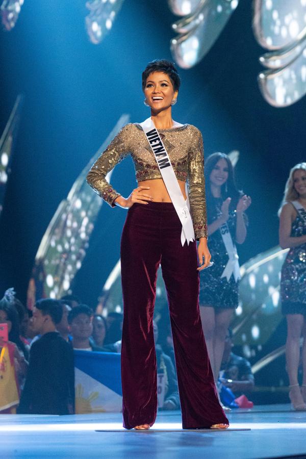 Truyền thông Philippines khen H'Hen Niê có trái tim của một nữ hoàng